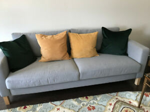 SET OF 2 SOFA WITH 8 PILLOWS