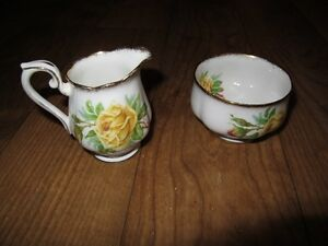 Royal Albert Yellow Tea Rose china