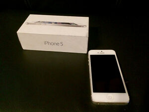 Original iPhone 5 64GB UNLOCKED! Like new!