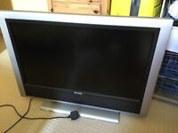 32 inch HDTV plus freeview set-top box