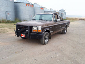1992 Ford F-150 XL Pickup Truck