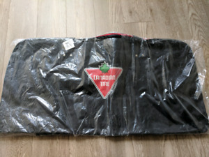 Selling unused big hockeh bag
