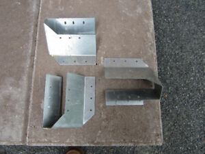 Joist and truss hangers / Supports de solives