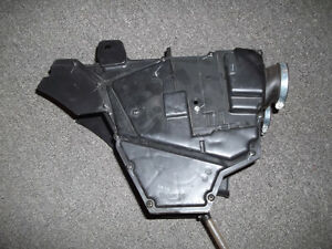 Triumph T100 OEM air box like new! Kitchener / Waterloo Kitchener Area image 3