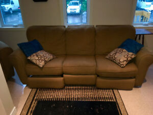 Reclining Sofa and Chair set! In great condition.