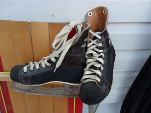 Vintage Ice Hockey Skates for Outdoor Christmas / Winter Decor