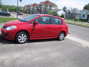 2011 Nissan Versa toute équipée Autre