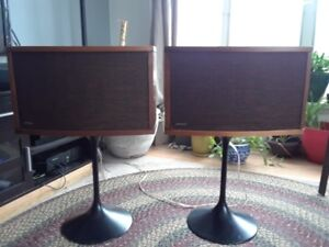 VINTAGE BOSE 901 SPEAKERS WITH EQUALIZER