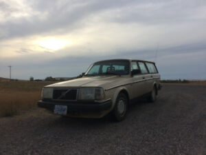 volvo 240 wagon in great shape