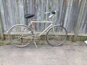 VINTAGE MEN'S SUPERCYCLE ESCORT CRUISER - $250 (MILTON)