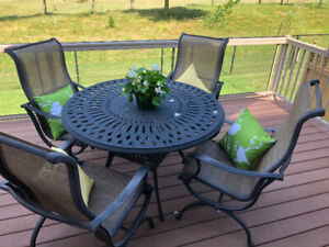Awe Inspiring Cast Aluminum Chair And Table Buy Or Sell Patio Garden Home Interior And Landscaping Synyenasavecom