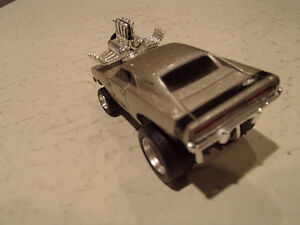 MUSCLE MACHINES 1969 DODGE CHARGER C02-12 1:64 DIECAST Sarnia Sarnia Area image 8