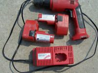 MILWAUKEE CORDLESS 14V trade Bosch 12v L/I charger