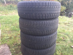 Four Michelin X-Ice 185/60R15 Winter Tires