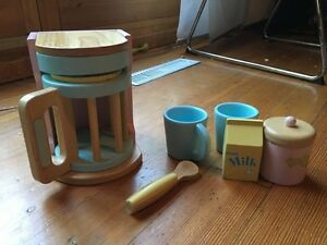 Toy Wooden coffee maker and plastic blender