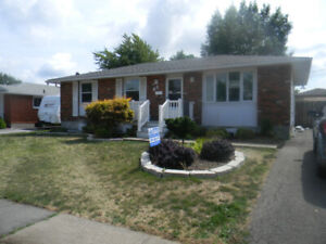 Student House on WOODGATE, WOODLAWN CAMPUS - Avail. May 1st