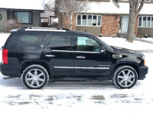 *LOW KMS * Fully Loaded 2009 Cadillac Escalade