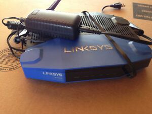 LinkSys Router - WRT 1900 AC
