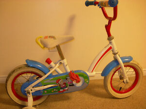 Velo - Bicyclette ``Fisher Price``