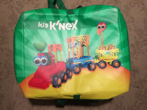 Kid K'nex Playset with Carry Case/Playmat