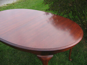 KROEHLER DINING TABLE AND SIX CHAIRS Kawartha Lakes Peterborough Area image 2