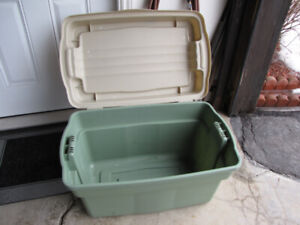 Storage tote 140L by Rubbermaid