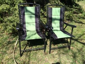 2 folding Coleman style lawn chairs / patio chairs