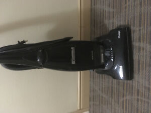 Kenmore vacuum cleaner mint condition. Great price.