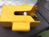 Caravan hitch lock with two keys