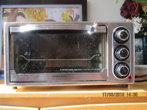 Hamilton Beach Toaster Oven $10