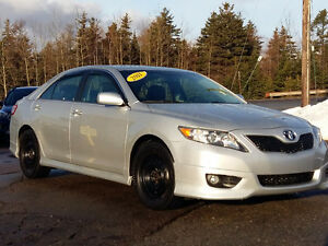 2011 Toyota Camry SE- One Owner, 2 Sets of tires/rims