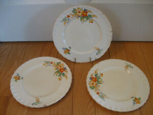 3 OLD MADE-in ENGLAND VINTAGE GRINDLEY 10-INCH DINNER PLATES