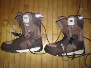 Snowboarding boots, size 10