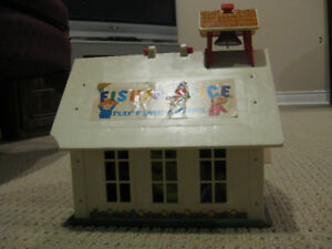 Vintage Fisher Price Schoolhouse Playset