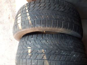 4 pneus d'hiver de 16 pouces,très bon état,pour 2018