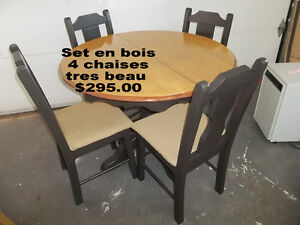 Dinner Tables with chairs, in my Flea Market in 16 Rue Du Rivage