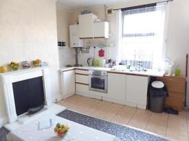 2 bedroom house in Nowell Lane, Harehills, LS9