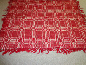 WOOL THROW/BLANKET