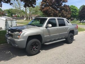 2002 Chevrolet Avalanche Z71 Lifted