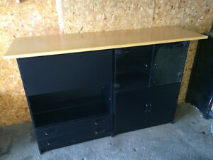 Hutch with fold down bar