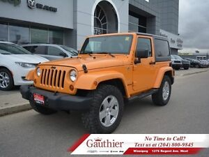 2012 Jeep Wrangler Sahara 4X4 w/Duratracs *LOCAL*