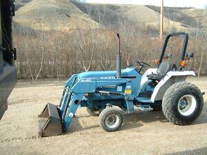 Ford 1720 Acreage Tractor