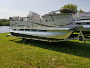 LEGEND PONTOON BOAT WITH MERCURY 25HP