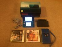 Nintendo 3DS - Aqua Blue + 2 Games