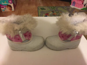 Size 6 winter boots (toddler)