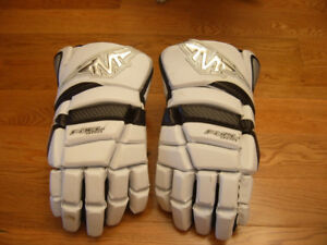 Used Reebok, Mission senior hockey gloves, 13 and 14 inch