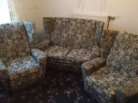 3 piece living room suite FREE TO COLLECTOR