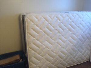 Sealy Double bed and boxspring