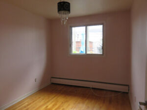 5 1/2 for rent in Lasalle, great location!