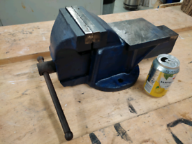 Large vice with anvil